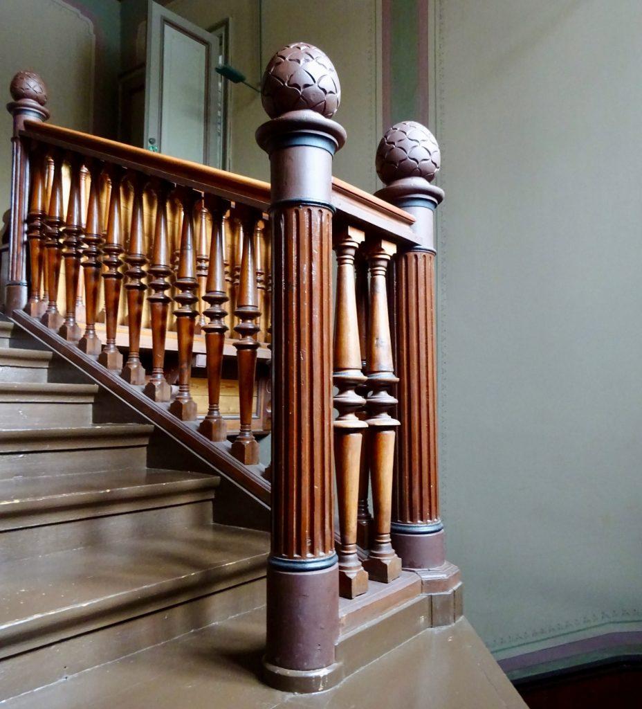 Karhusaaren huvilan portaikko